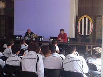 I ragazzi del settore giovanile del Viareggio in aula: incontri su arbitri e razzismo