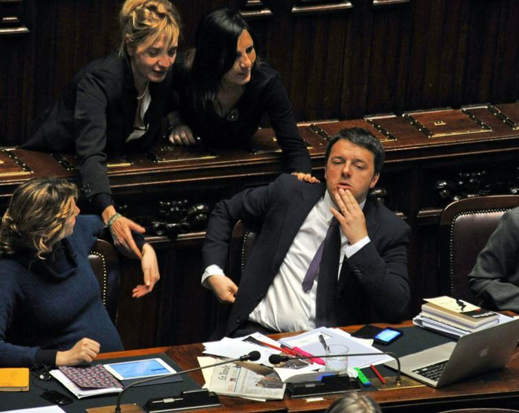Renzi saluta Forte dei Marmi e torna a Roma