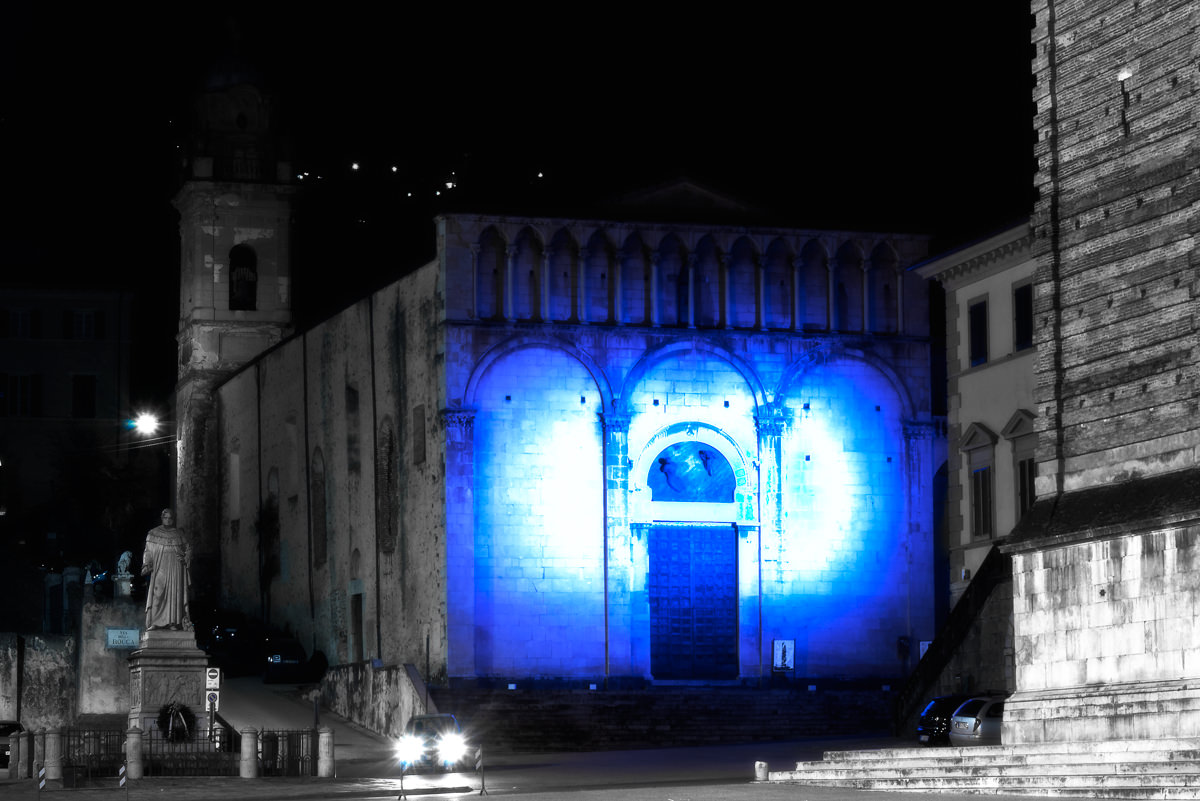 Sant'Agostino si tinge di blu, giornata sull'autismo anche nelle scuole di Camaiore