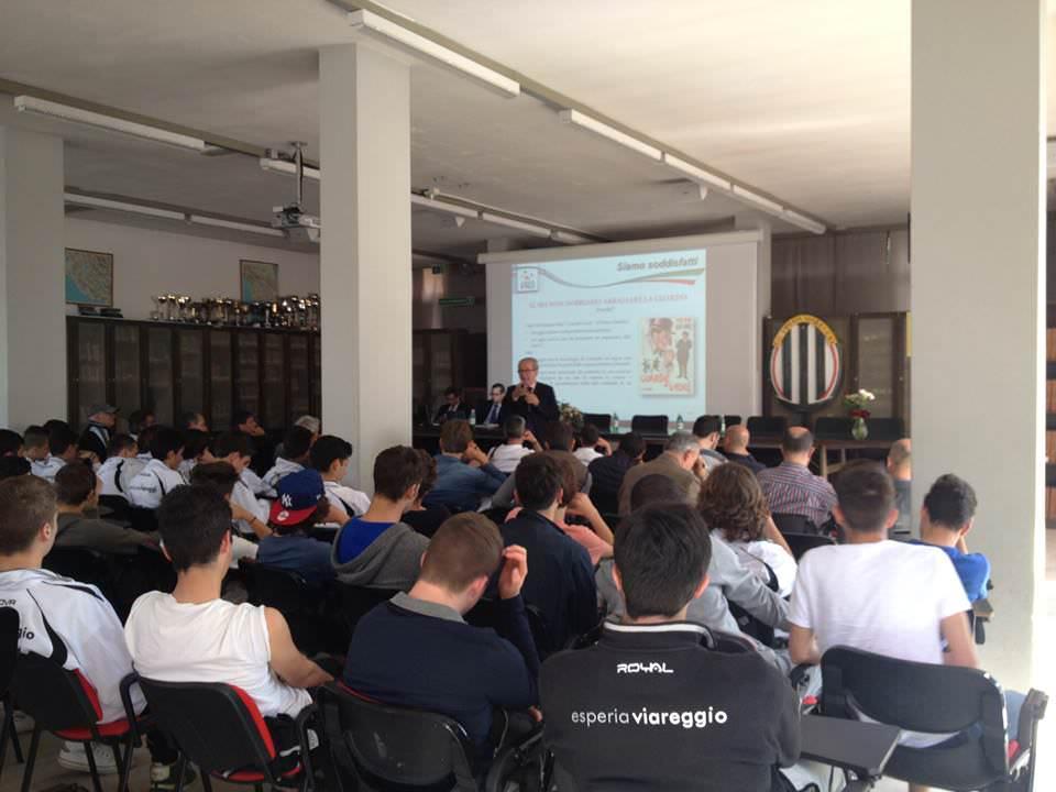 A scuola con l'Esperia Viareggio. Ragazzi a scuola di doping e calcioscommesse