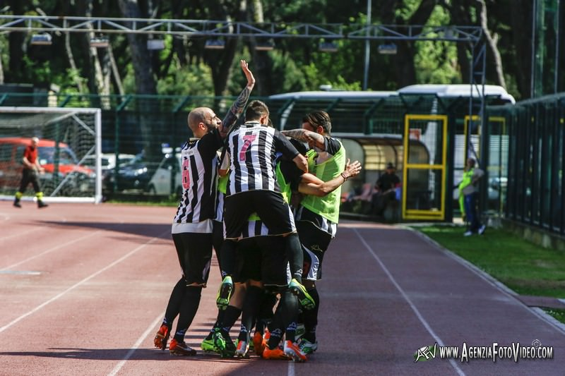 Il Viareggio batte di misura 2-1 la Primavera del Livorno