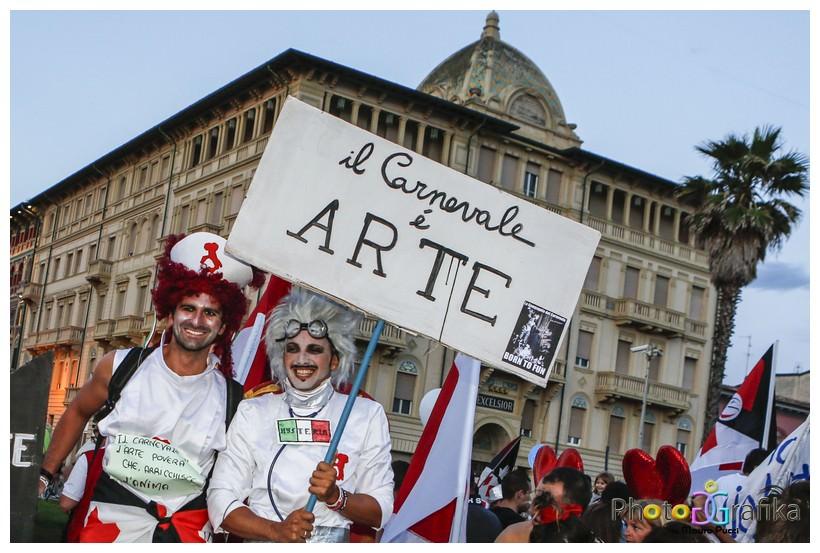 Carnevali nel mondo a confronto, a Firenze e a Viareggio un simposio internazionale