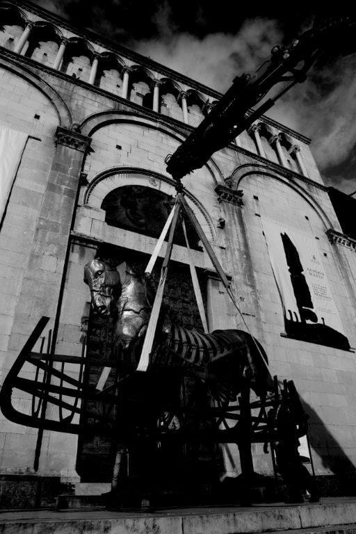 Inaugura la mostra Lapidarium-Frammenti