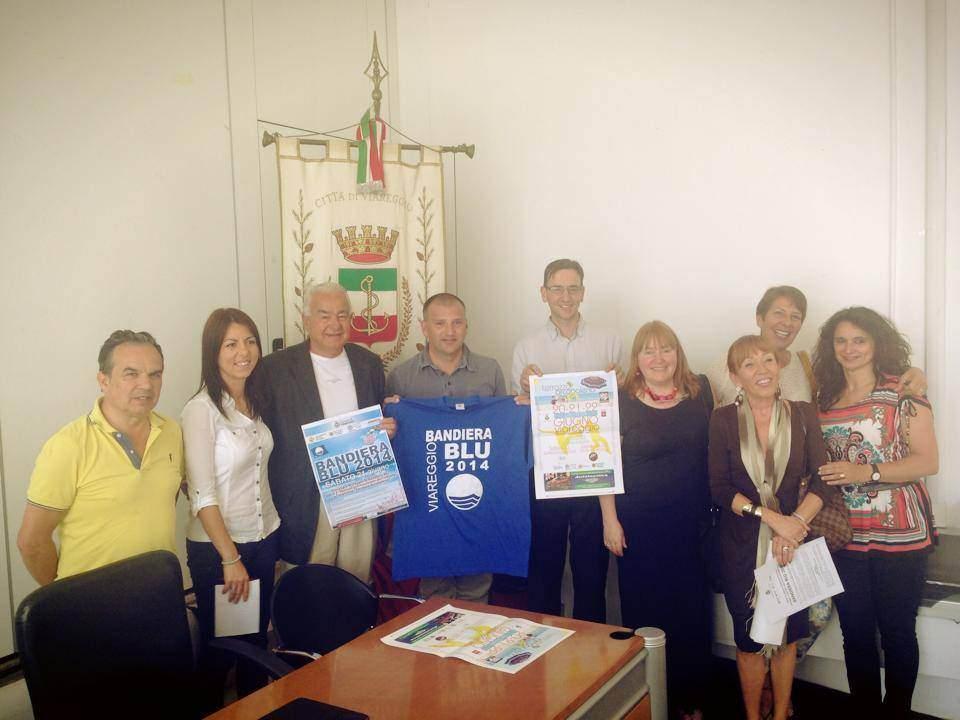 Per il 17° anno la Bandiera Blu sventola a Viareggio, il programma dei festeggiamenti