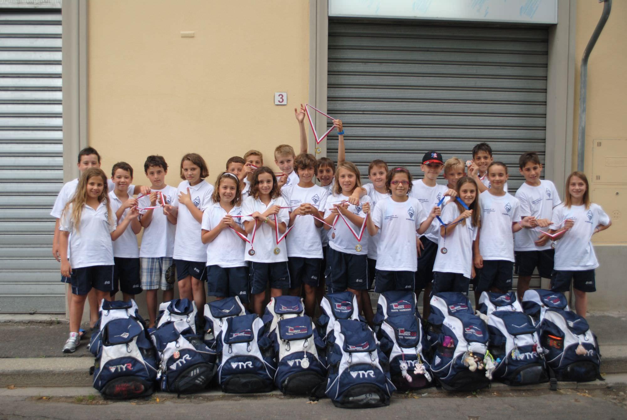 Undici medaglie per l 39 assonuoto viareggio a firenze - San marcellino piscina ...