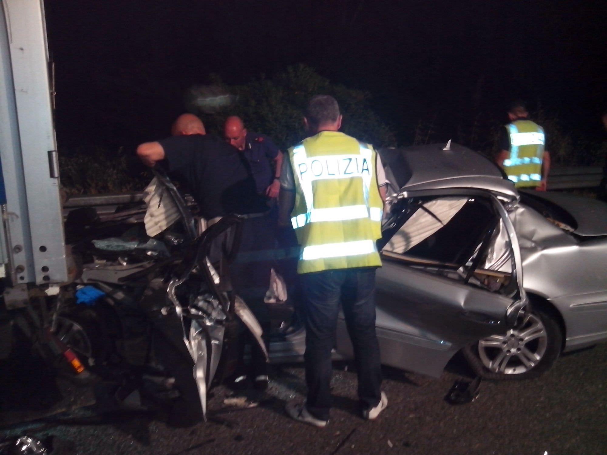 Incidente mortale sull'autostrada. Il video dei soccorritori
