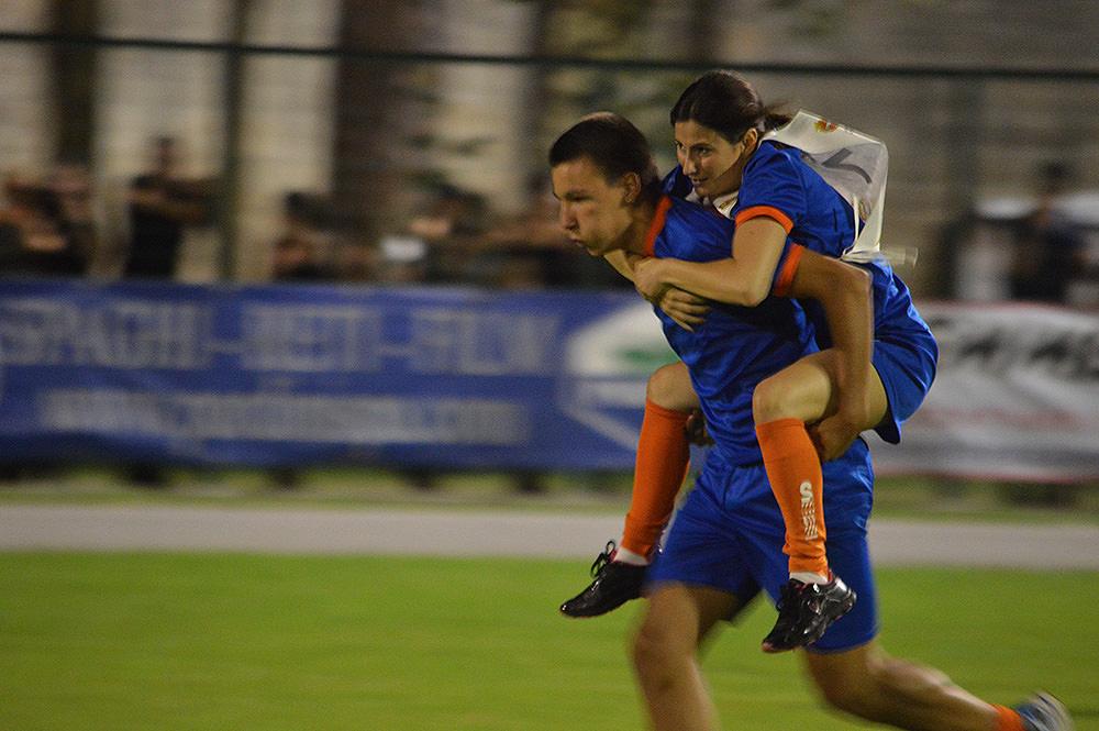 Palio di Camaiore, è l'ora delle gare: i sedici Rioni si sfidano sul campo