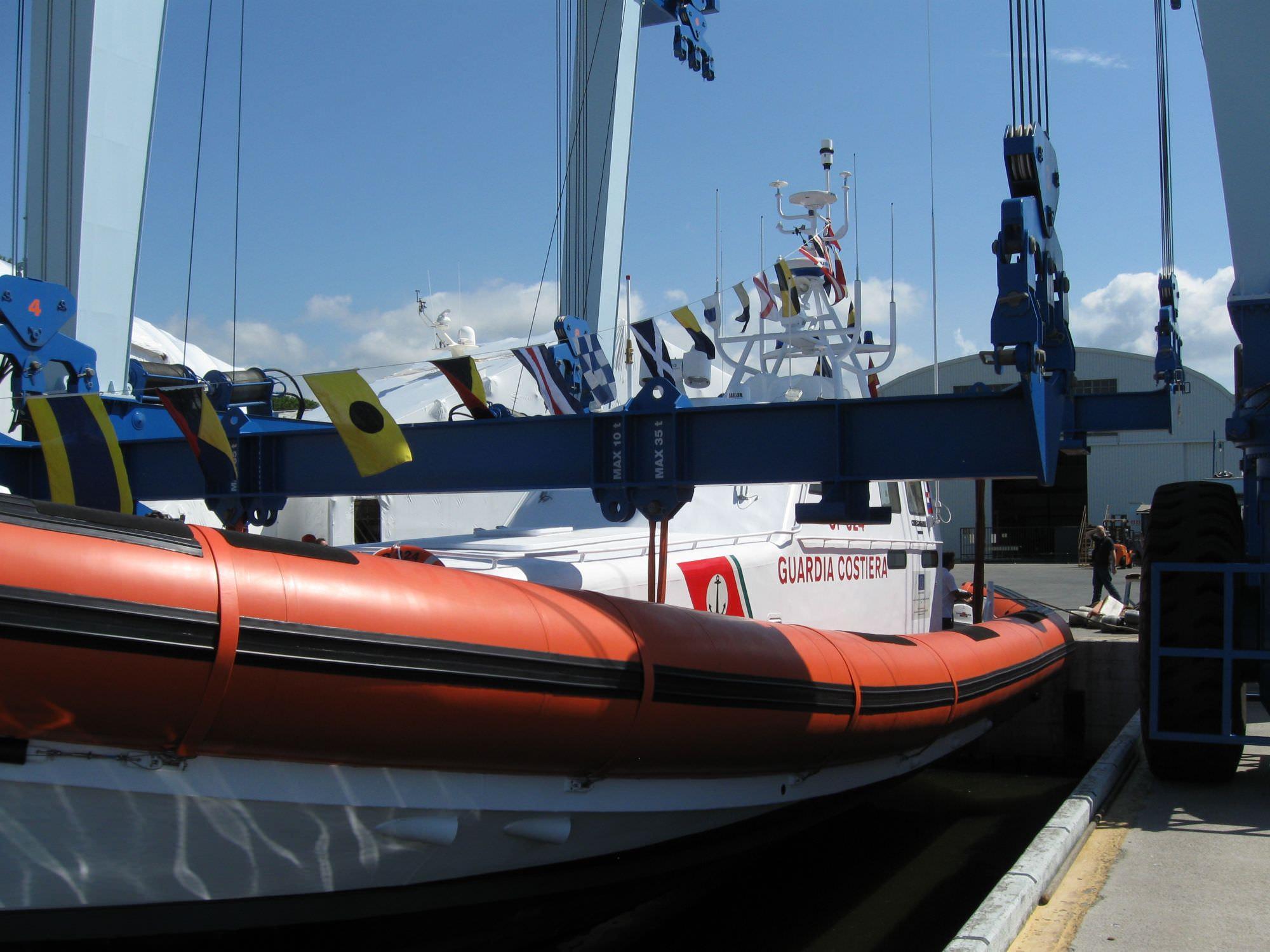 """Varata ai cantieri Codecasadue la motovedetta """"Ammiraglio francese"""" della Guardia Costiera"""