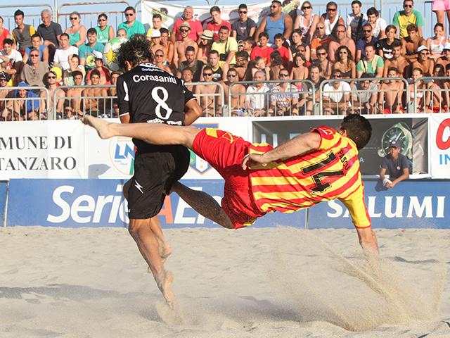 Beach soccer, Catania e Terracina senza ostacoli