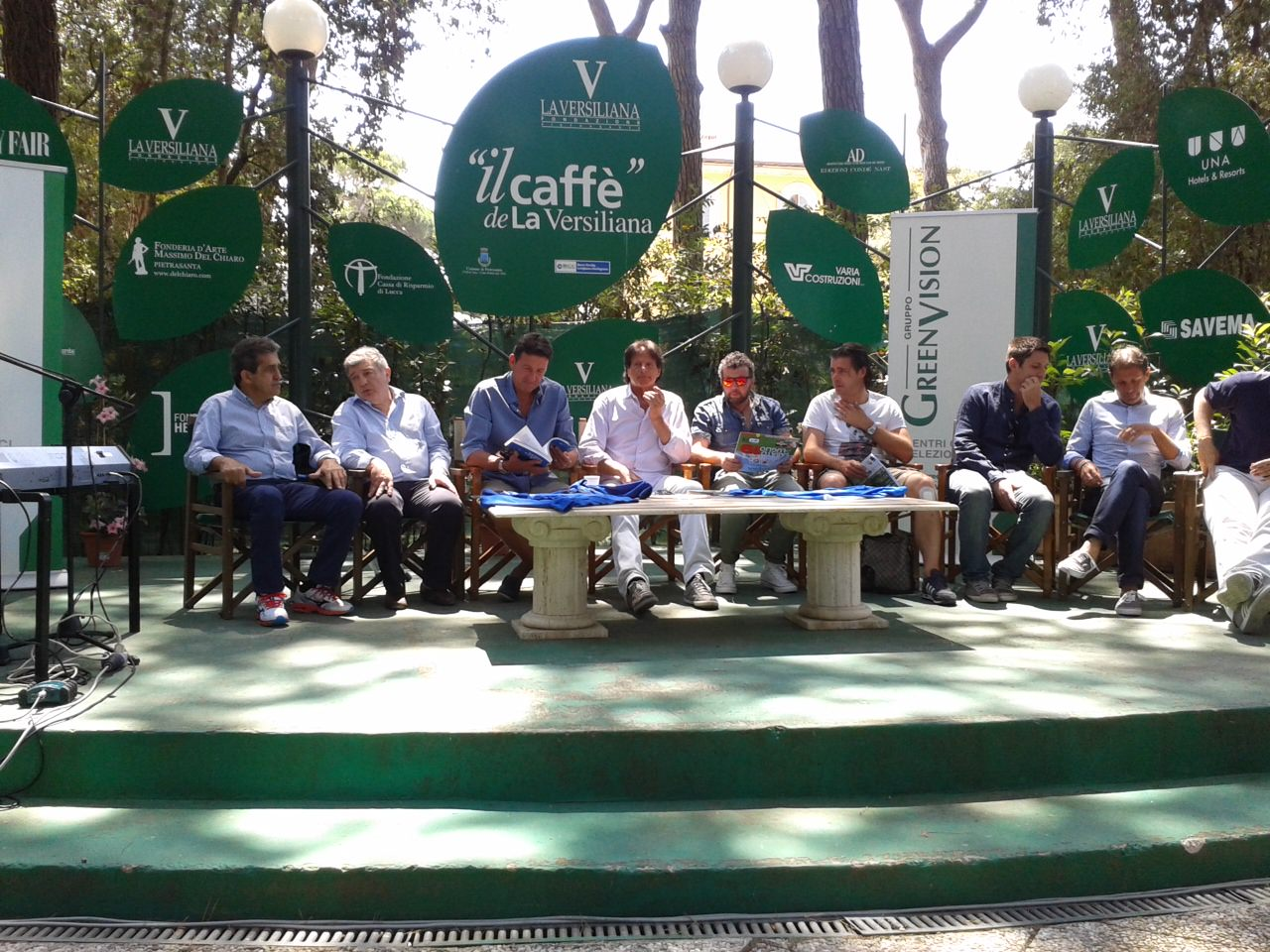 La Nazionale Cantanti in campo a Pietrasanta