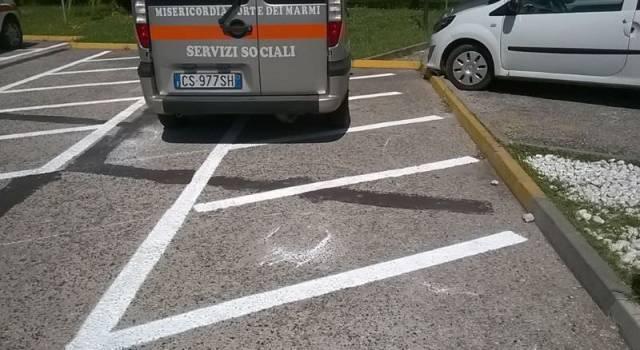 Meno parcheggi per le associazioni di volontariato all'ospedale Versilia