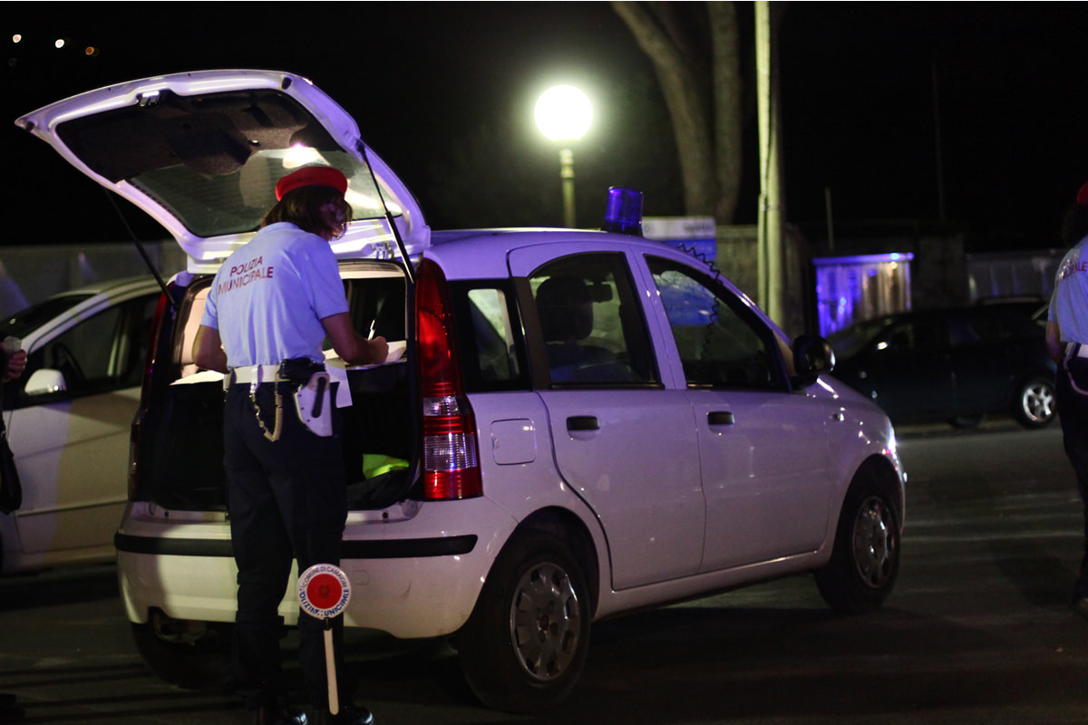 Ubriaco al volante e contromano. Patente ritirata e denuncia per un giovane