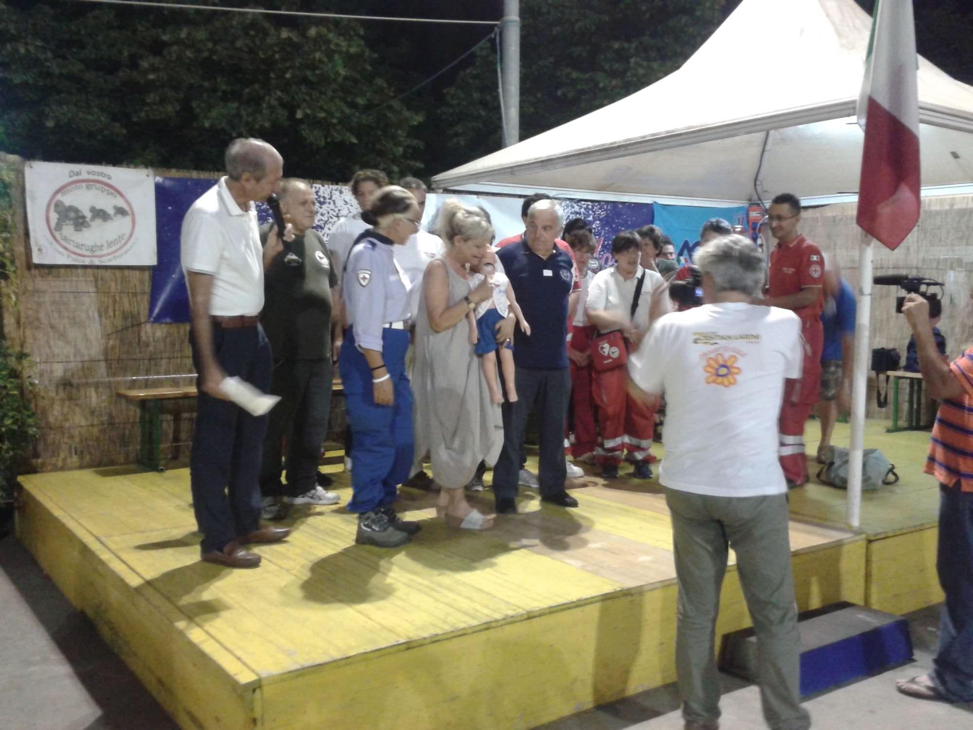 Solidarietà, un assegno da 1.200 euro per la clinica per bambini