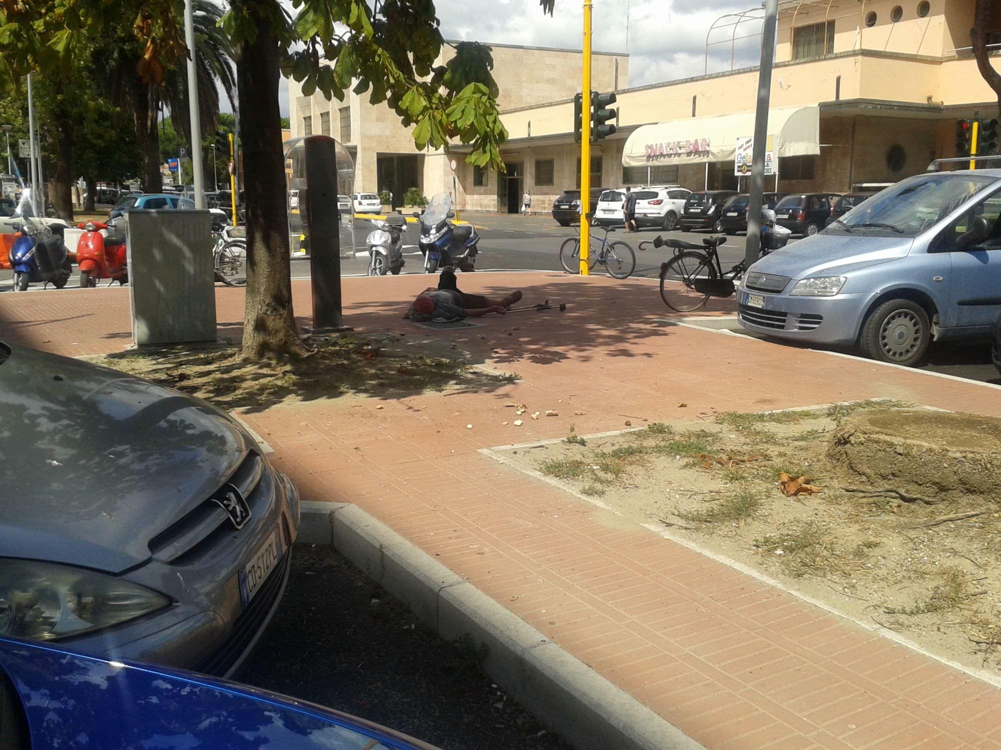 Furto in auto alla stazione di Viareggio ai danni dell'avvocato Pajatto