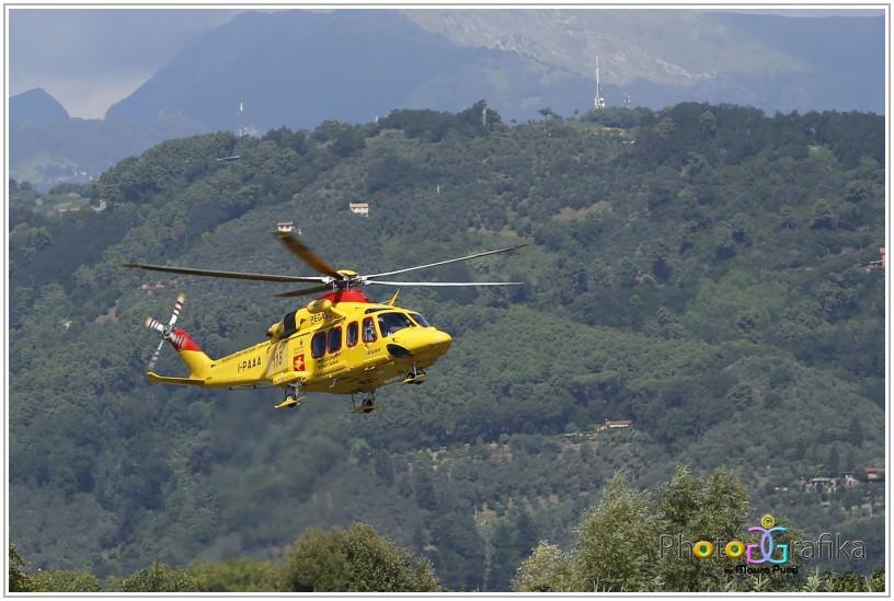 Elicottero Caduto Oggi : Uomo cade sulle piane interviene l elicottero pegaso