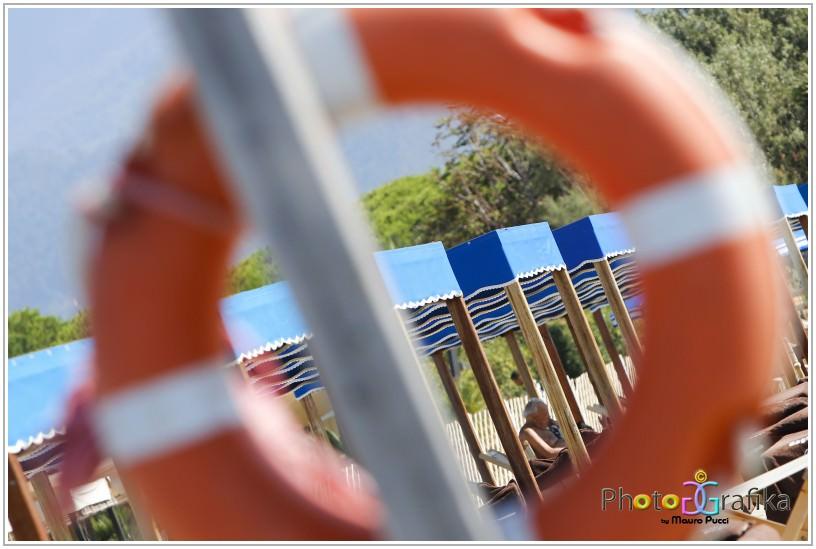 Stabilimento balneare si rifiuta di dare in affitto un ombrellone a una famiglia