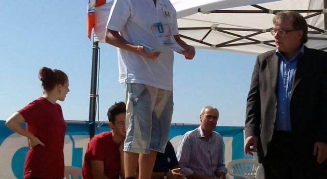 Nuoto, il camaiorese Gabriele Giordani si laurea campione italiano in acque libere