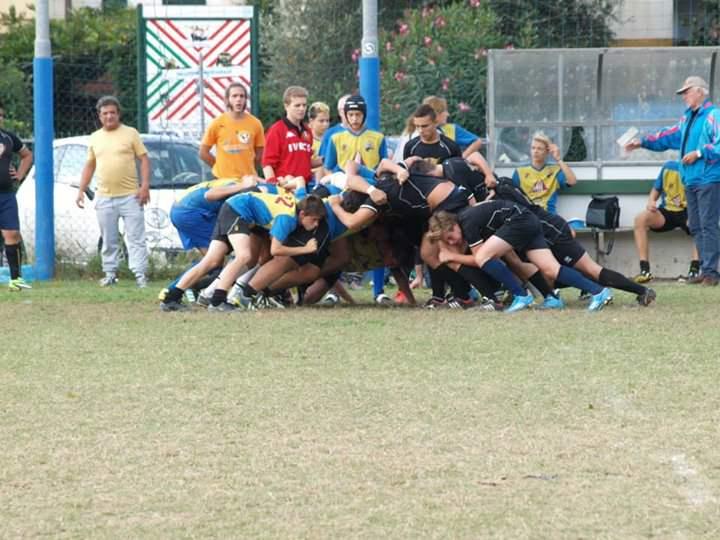 Rugby, i Titani si aggiudicano il derby con l'Union Versilia