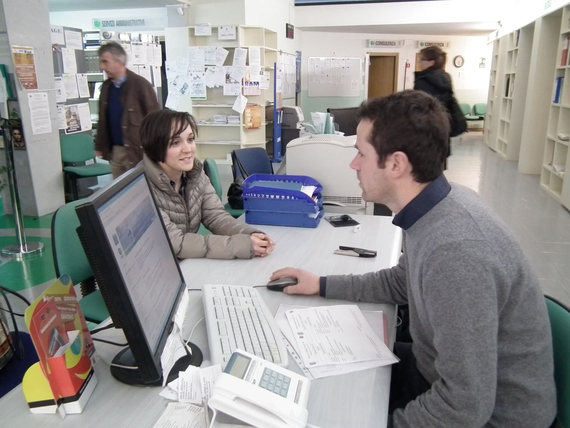 Boom utenti per Informagiovani, in 6.400 per cercare un lavoro