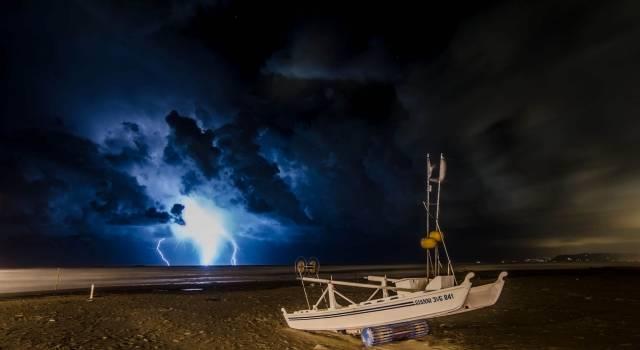 Estesa a domani l'allerta meteo: forti temporali sulla costa