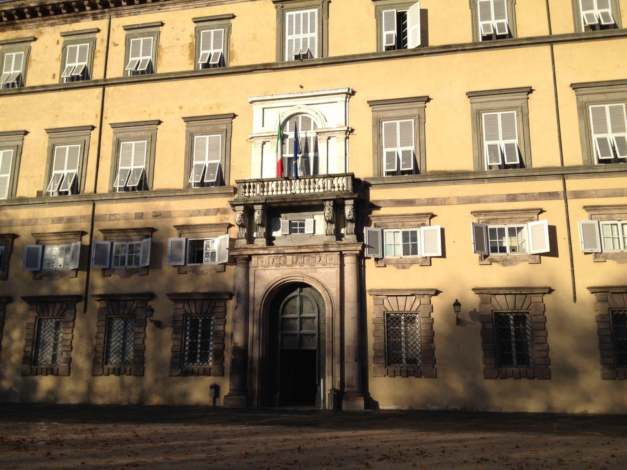 La Provincia di Lucca dota 65 studenti del territorio di pc e tablet