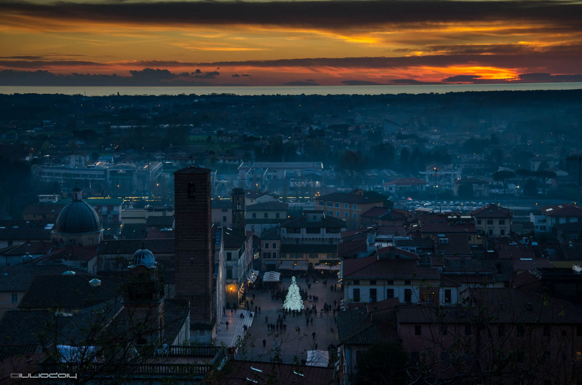 Cinque donne legate e imbavagliate: tentata rapina a Pietrasanta