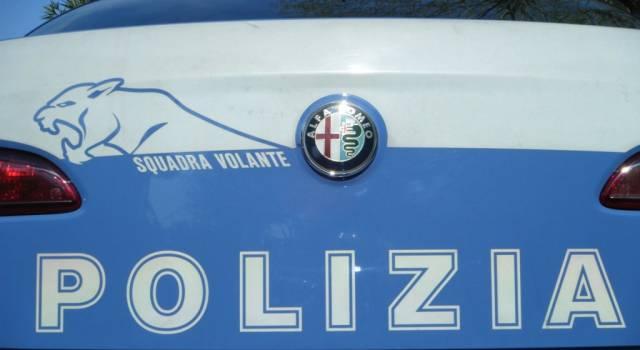 Vede la Polizia e tenta di disfarsi della droga, arrestato al Varignano