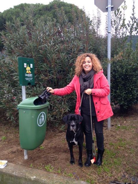 Dog toilet. Contenitori e sacchetti in tutto il comune