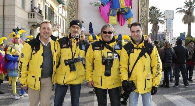 Lo staff di Fotomania, i fotografi ufficiali del Carnevale di Viareggio