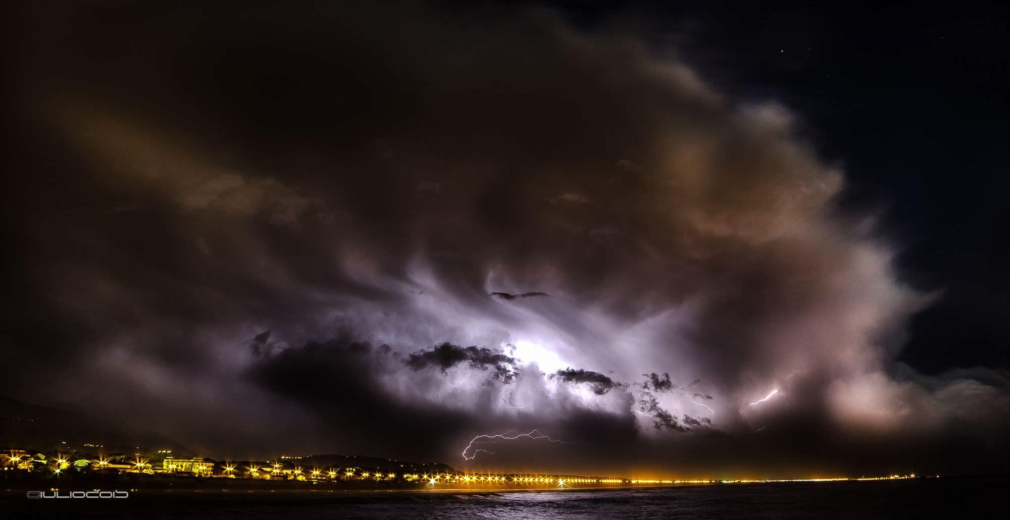 Allerta meteo, presidi e controllo su tutta la Versilia