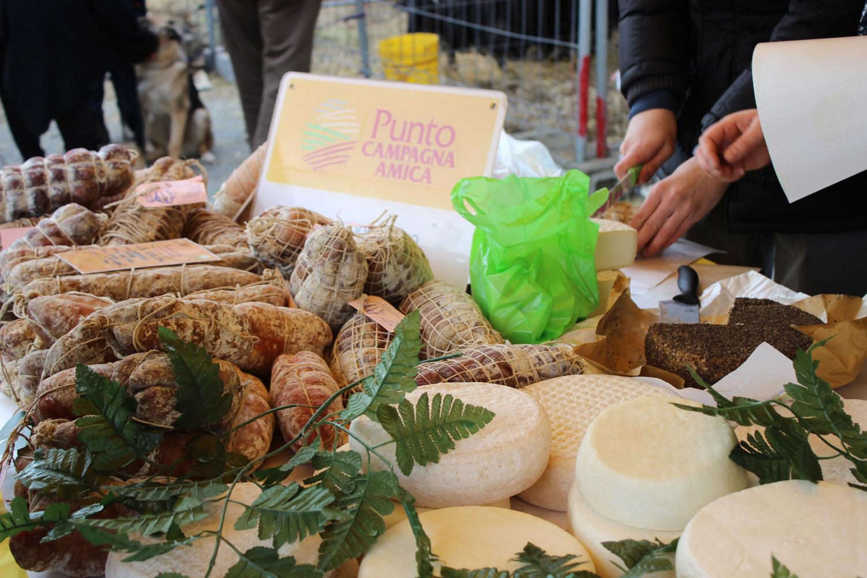 Il mercato di Campagna Amica a San Biagio con una petizione per difendere la vera pizza italiana