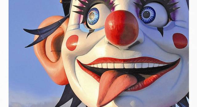 """Uscita """"Viareggio in maschera"""", la rivista ufficiale del Carnevale di Viareggio 2015"""