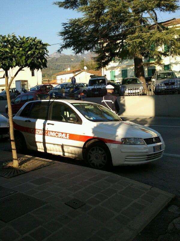 Mancata igienizzazione, una multa al mercato di Camaiore