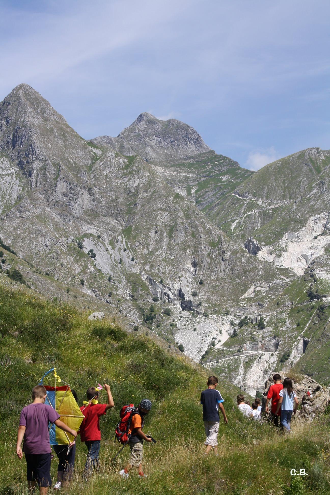 """""""Le Apuane non sono solo cave"""". Le Guide del Parco contro il piano paesaggistico"""