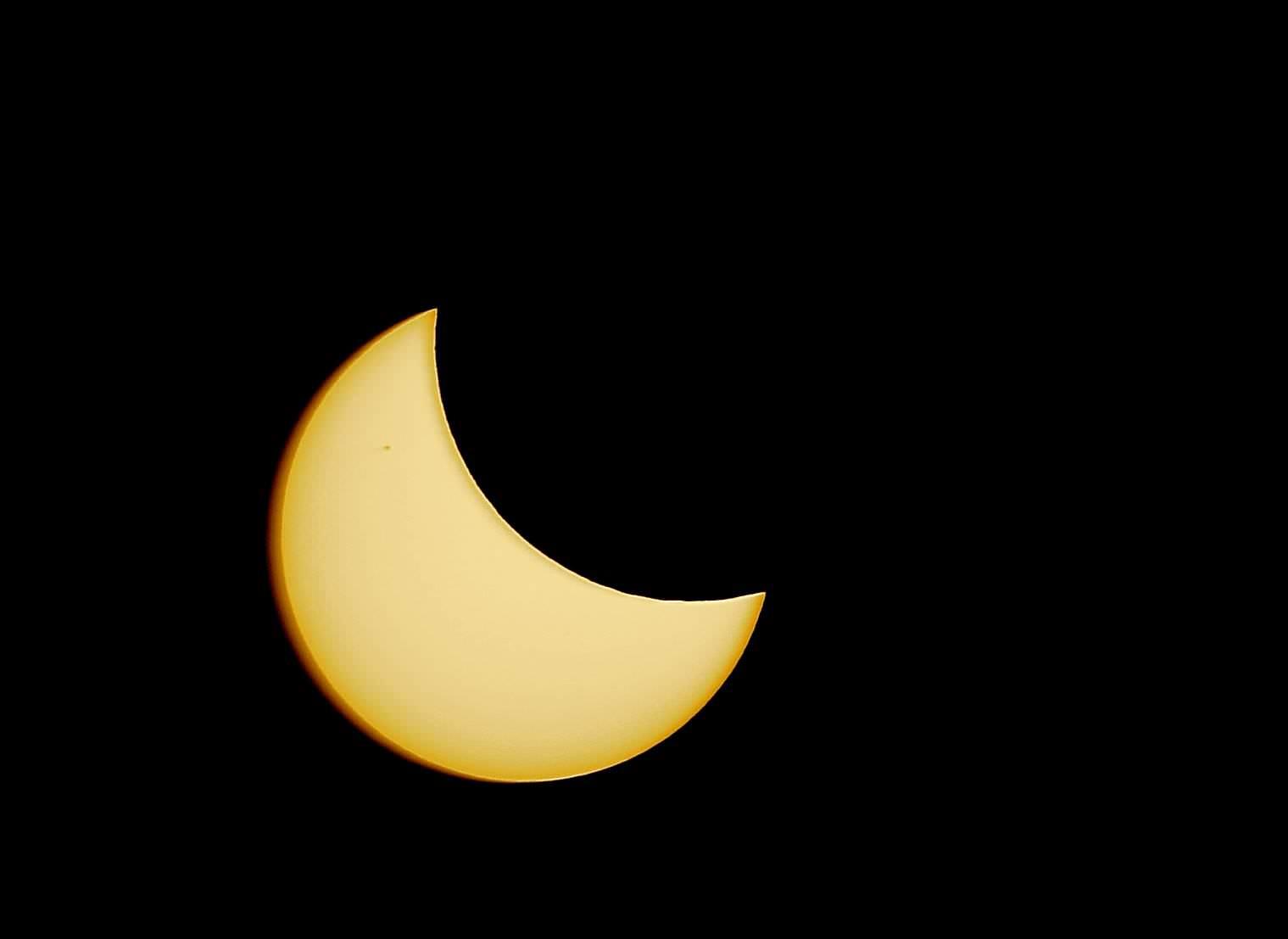Eclissi di sole, le foto dei lettori