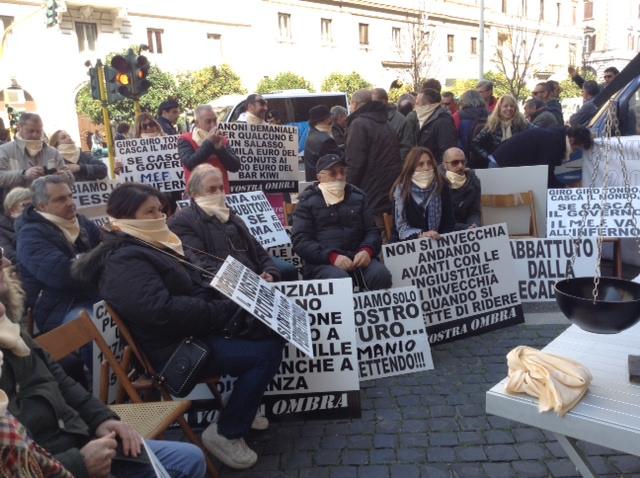 Turismo e canoni pertinenziali, sit-in di protesta dei balneari a Roma