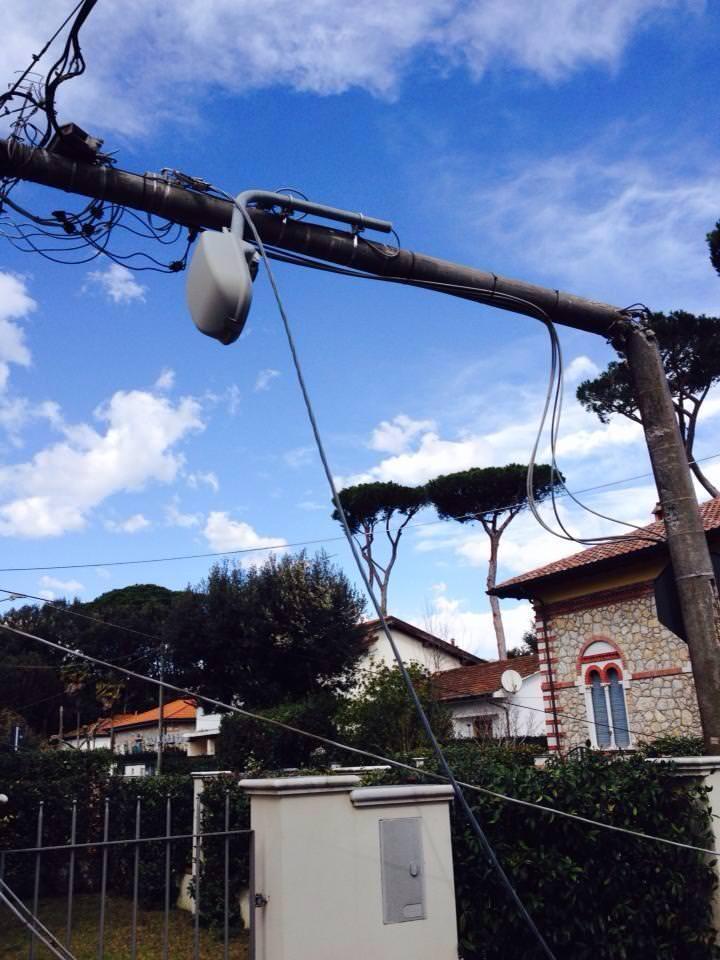 Lavori illuminazione post uragano. Oltre 3 mila interventi, 350 strade interessate su 525 totali