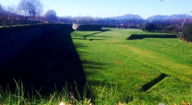 Le mura di Lucca. A Spasso con Galatea