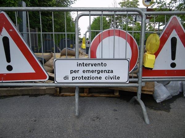 """Sicurezza stradale sulla via per Capezzano Monte, ancora """"slacciata"""" la rete fognaria"""