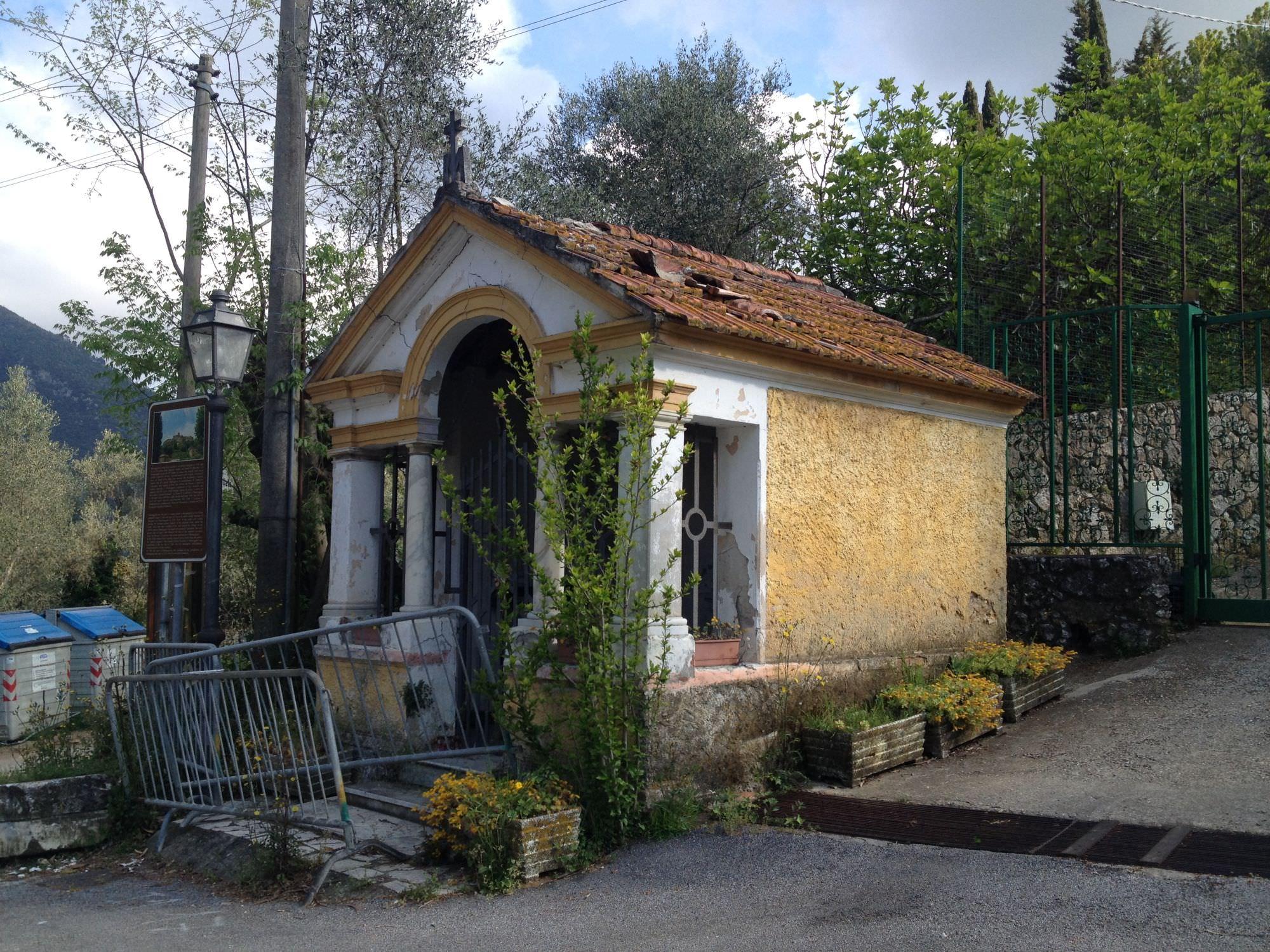 A Monteggiori si ripara la chiesina, poi partirà la metanizzazione