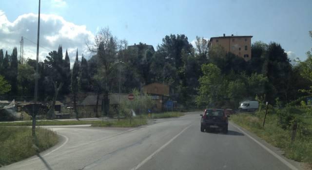 Al via gli sfalcidell'erba lungo la Sarzanese