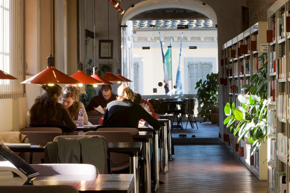 """Elezioni Pietrasanta. Mallegni: """"Biblioteca fredda d'inverno, chiusa d'estate e senza wi-fi"""""""