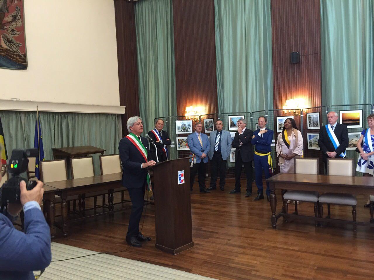 Il sindaco Buratti ad Etterbeek per inaugurare una  mostra su Forte dei Marmi