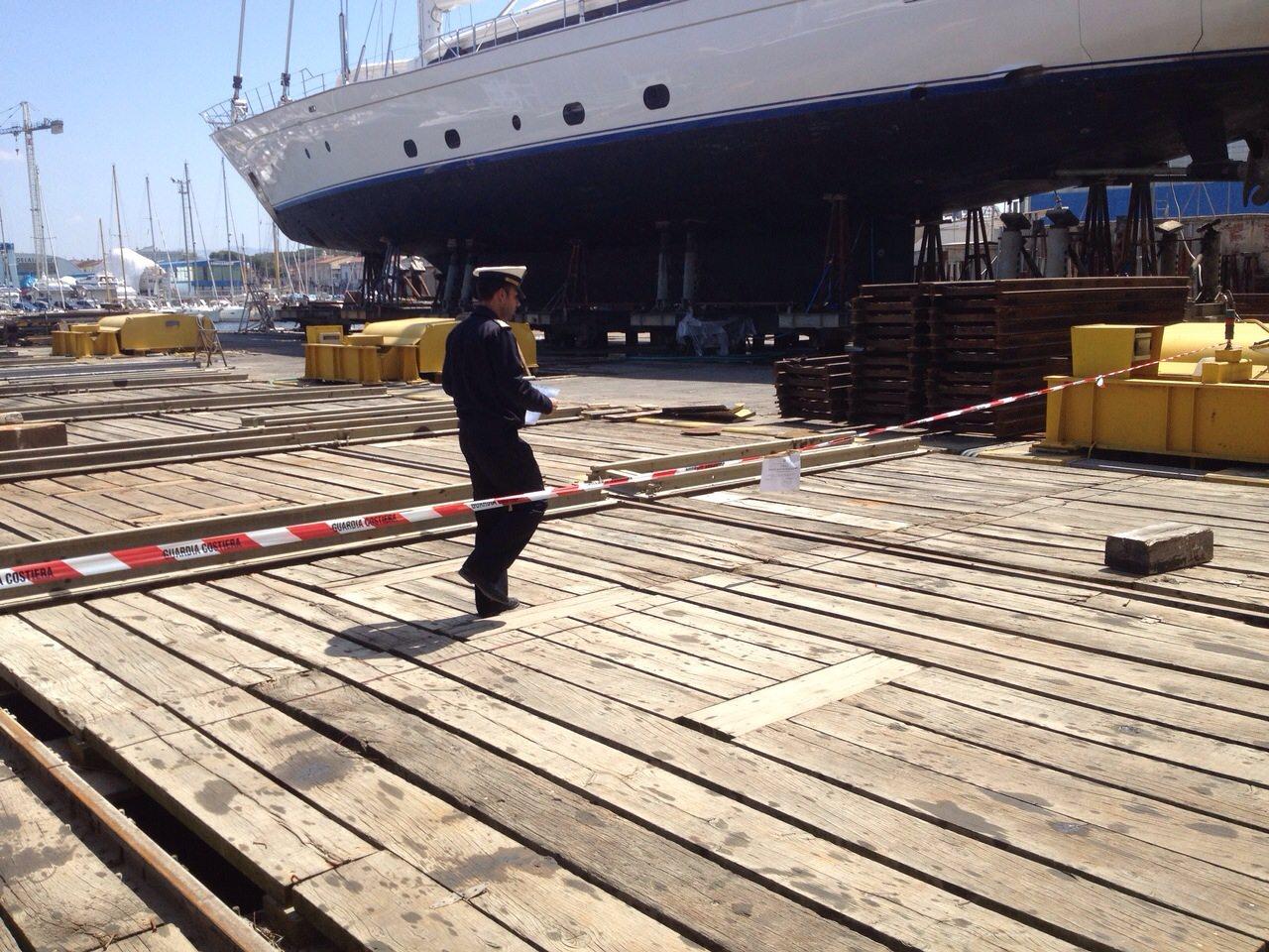 Viareggio, sotto sequestro lo scalo di alaggio di un noto cantiere navale