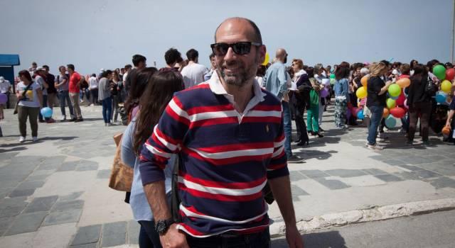 """""""In piazza per una scuola pubblica di qualità"""". Il candidato sindaco Antonini sciopera contro la buona scuola di Renzi"""