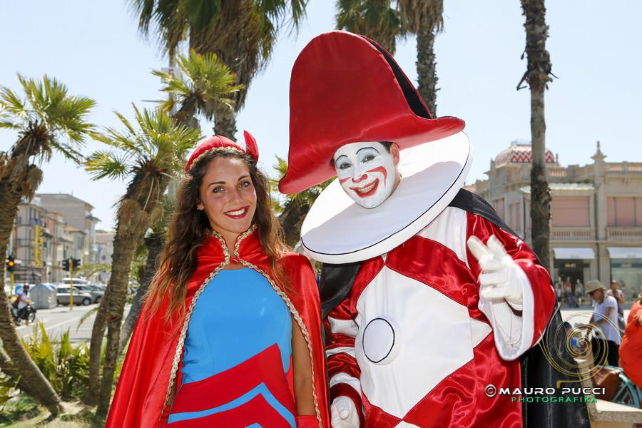 Alzabandiera del Carnevale estivo (le foto)
