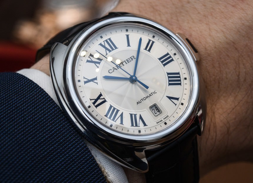 Va a vuoto il tentato scippo di un orologio in piazza Manzoni