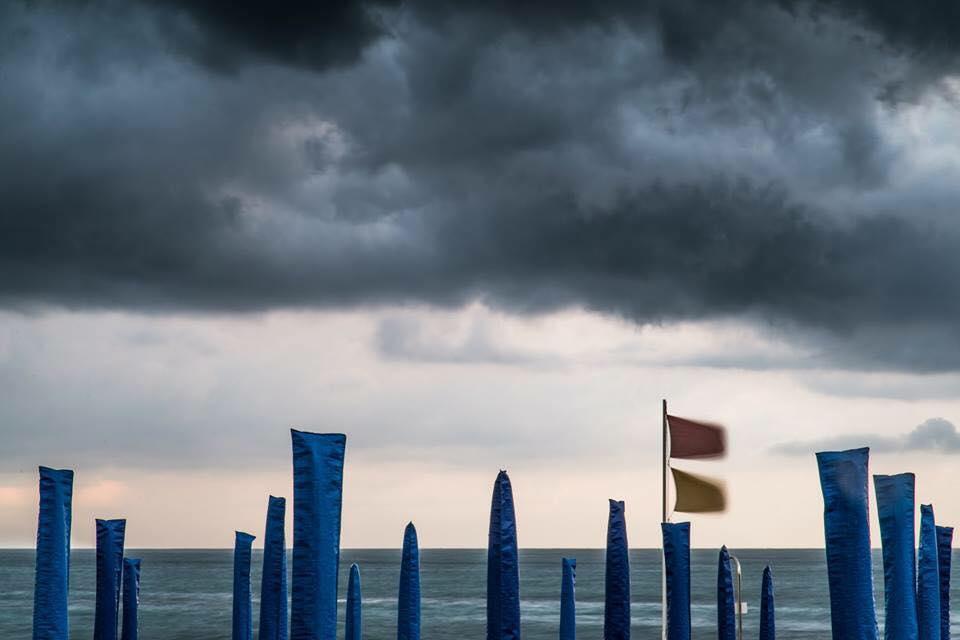 """Foto """"triste"""" sulla pagina Facebook del Comune di Viareggio, pioggia di commenti negativi"""