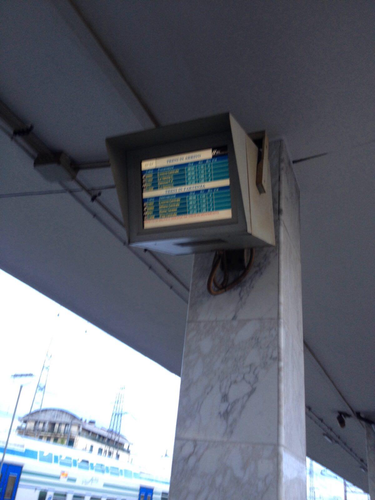 Treni soppressi o in forte ritardo a causa del maltempo