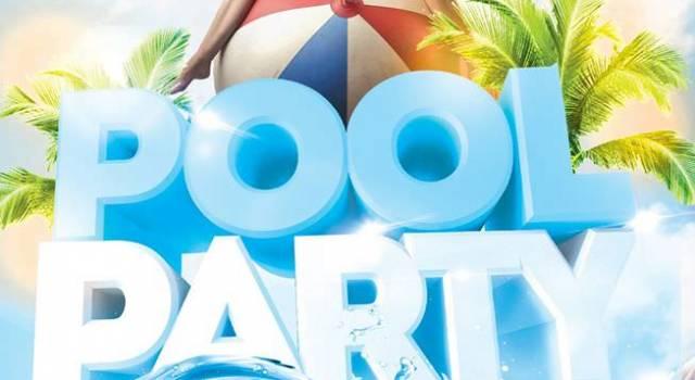 """""""Siamo stati minacciati"""". Gli organizzatori annullano la festa in piscina al Balena"""